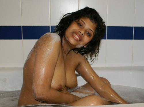 Shower Porn Videos Of Desi Babe Taking Bath In Jacuzzi
